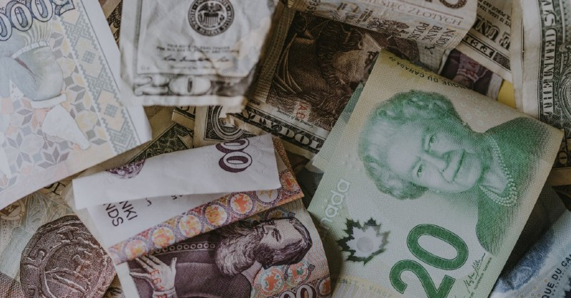 different country currencies