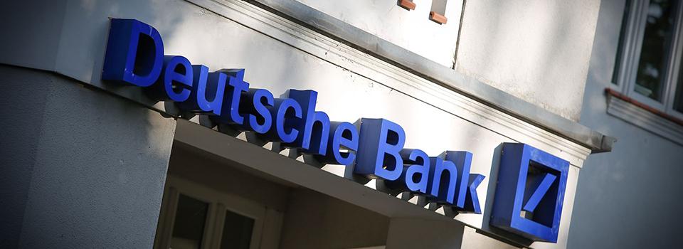 Democratic Senators tell FinCEN director that Deutsche Bank's treatment of Trump should be probed